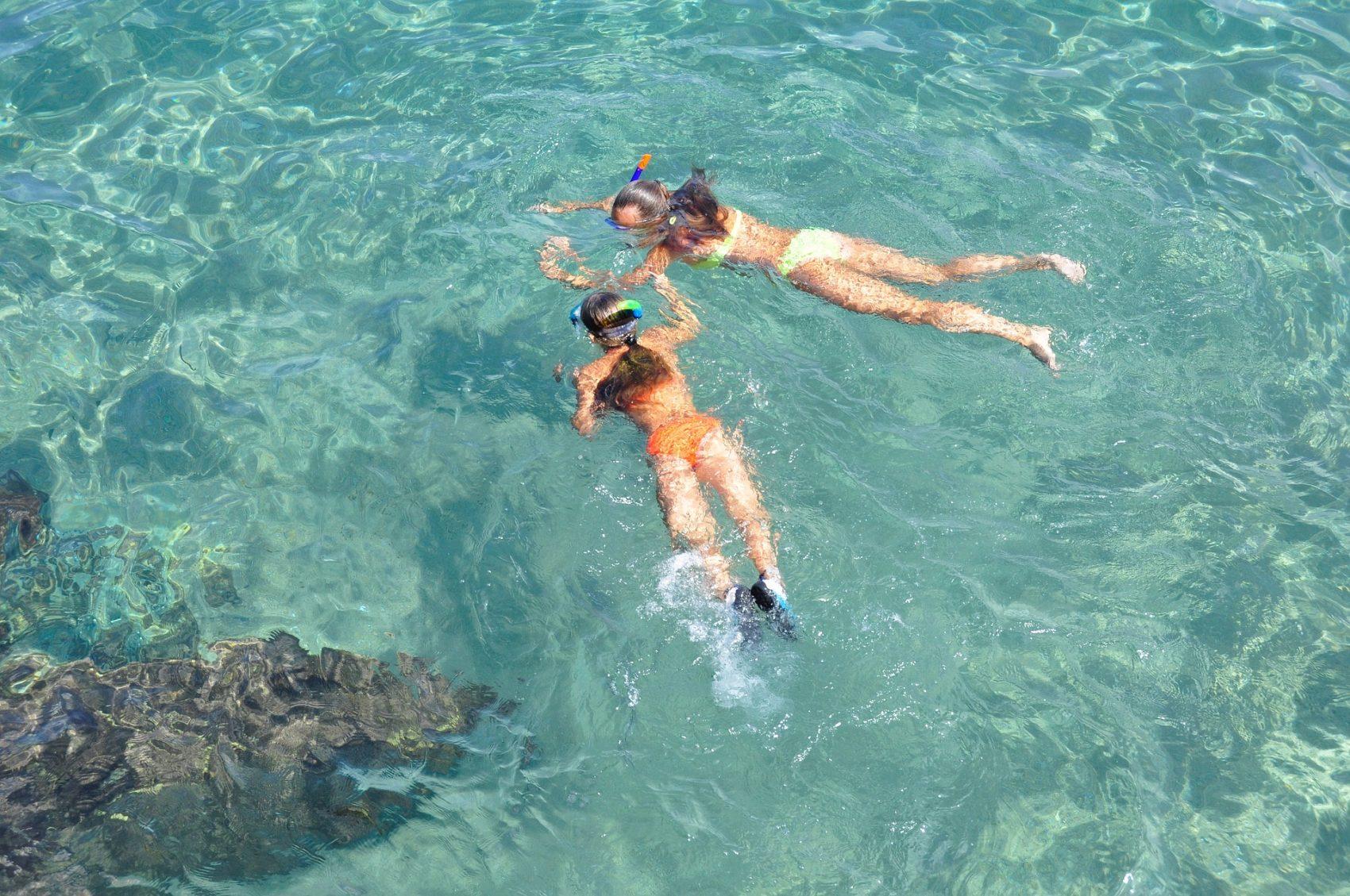 Snorkelende kinderen